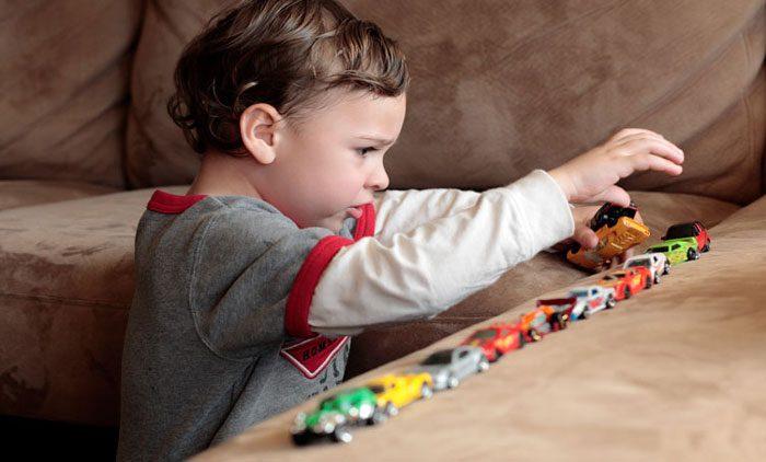 تفاوت اوتیسم و سایر اختلالات بیش فعالی