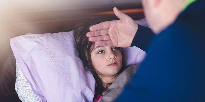 تب کردن کودک