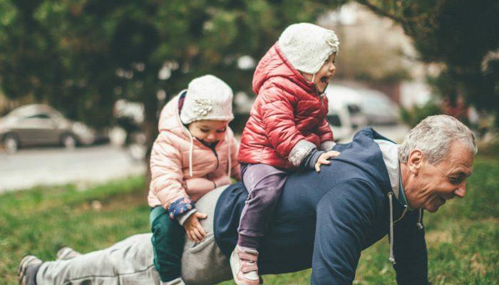 تقاضای کمک برای نگهداری کودک
