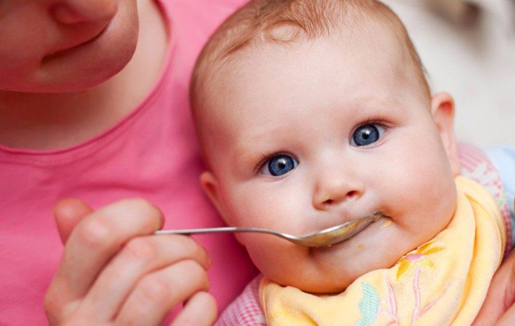 چطور و چه اندازه بادام زمینی برای کودک را آماده کنیم