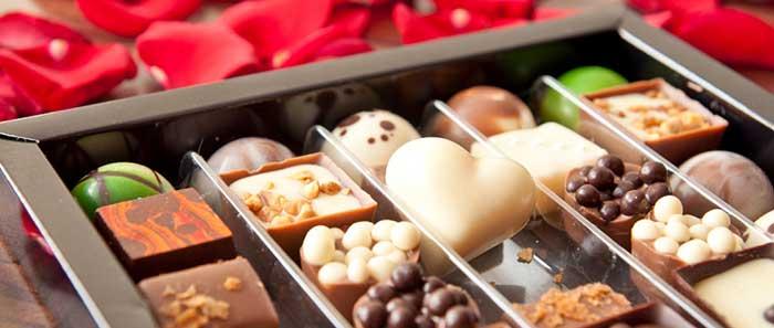شیرینی و شکلات بدترین غذاها برای کودکان