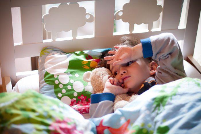 نشانه های اوتیسم - ۳ ماهگی
