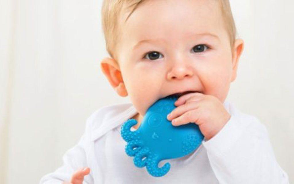 زمان دندان درآوردن کودک