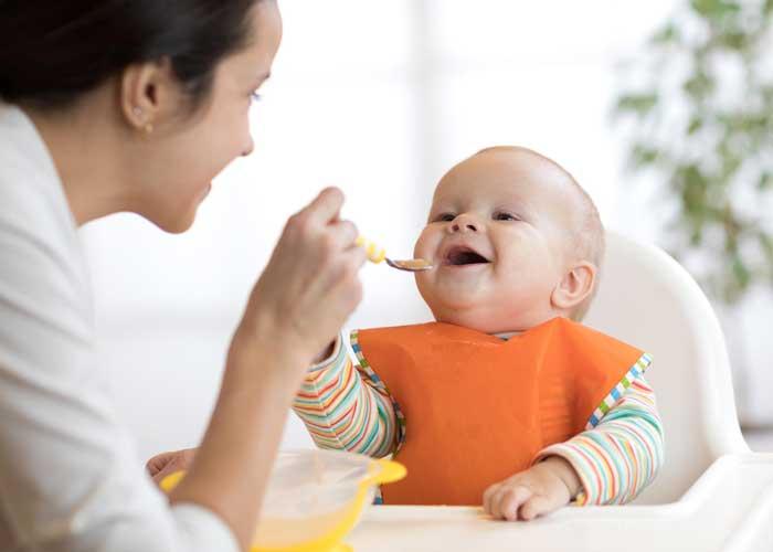 پاسخ به سوالات رایج درباره تغذیه نوزاد