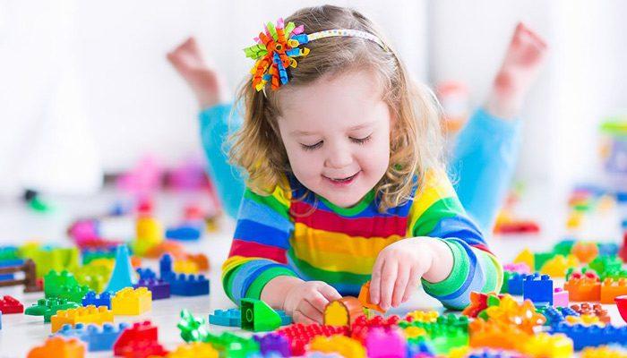 بازی نکردن کودک با اسباب بازی