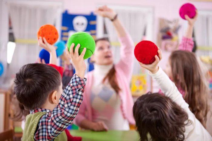 تاخیرهای اوایل دوران کودکی باید تحت نظر قرار بگیرند