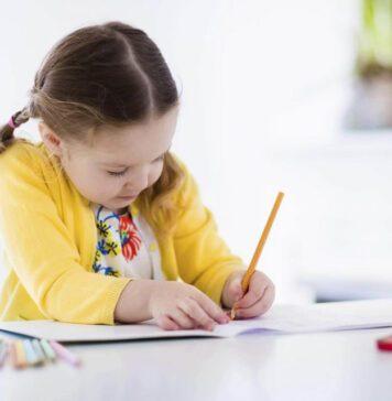 چطور به کودکان کمک کنیم مهارت نوشتن را یاد بگیرند؟