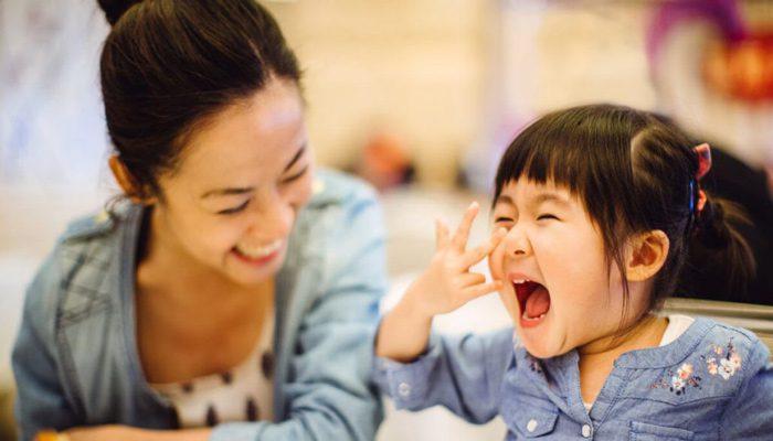 مادر شاد و موفق