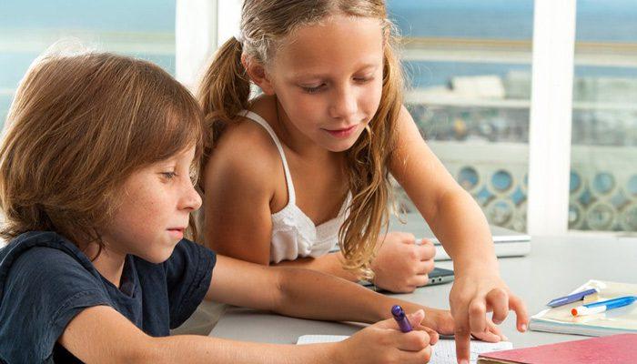 پیشرفت تحصیلی کودک بیش فعال