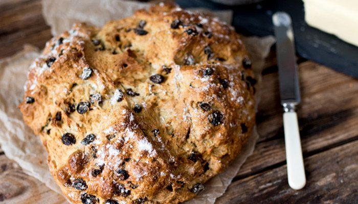 مواد لازم برای تهیه نان کیک ایرلندی