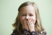 صحبت کردن کودکان در جمع