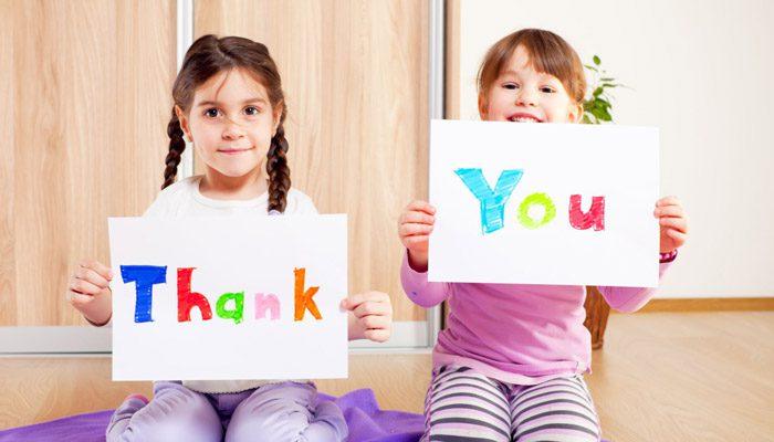 تشکر کردن را به او یاد دهید