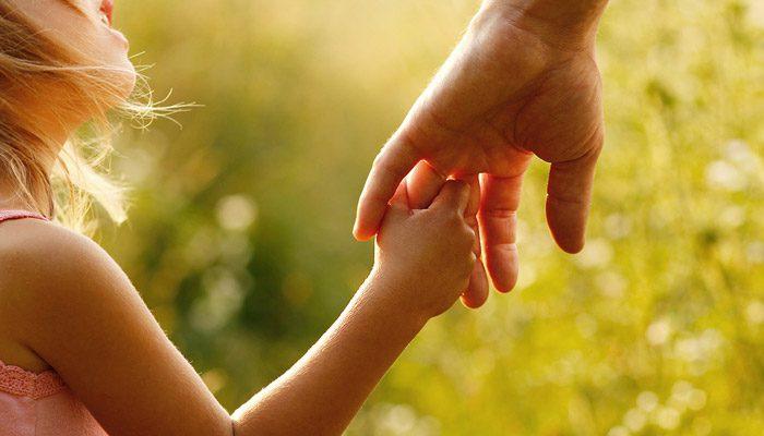با کودک خود همدلی کنید