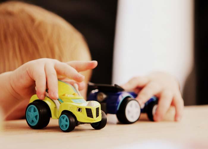 چگونه میتوانید به شیوههای جالب با کودک خود ارتباط برقرار کنید
