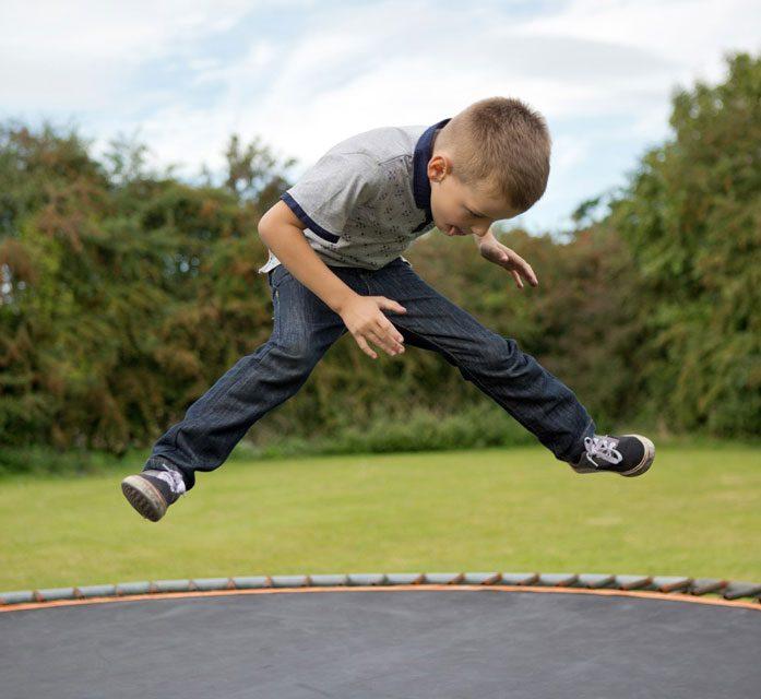 کنترل و آرام کردن کودک بیش فعال