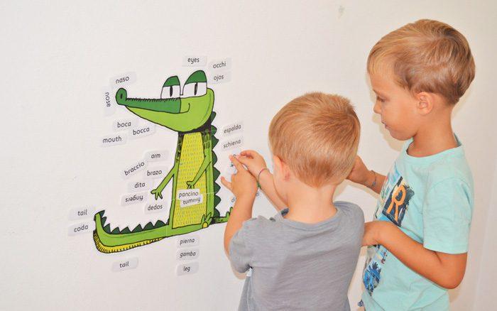 آموزش زبان خارجی به کودک