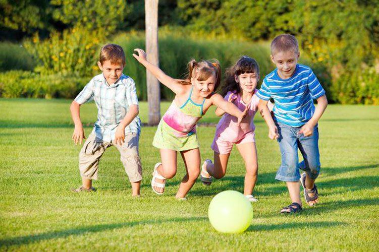 کنترل و آرام کردن کودک بیش فعال در بیرون از خانه