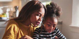 حرف زدن و آموزش زبان انگلیسی به کودک