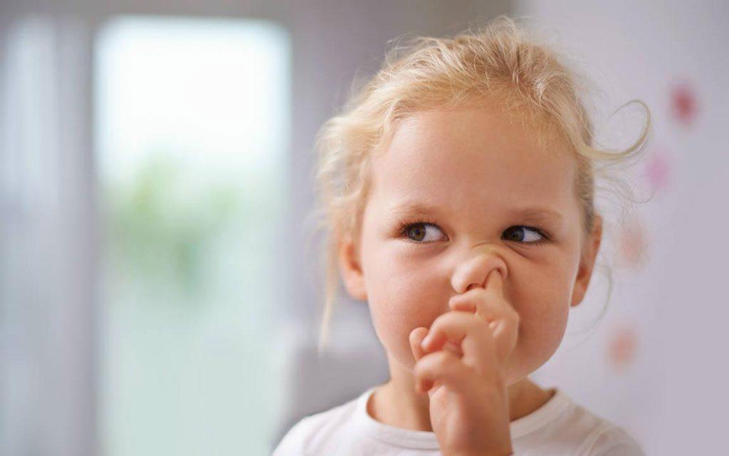 برطرف کردن عادت انگشت کردن در بینی در کودکان