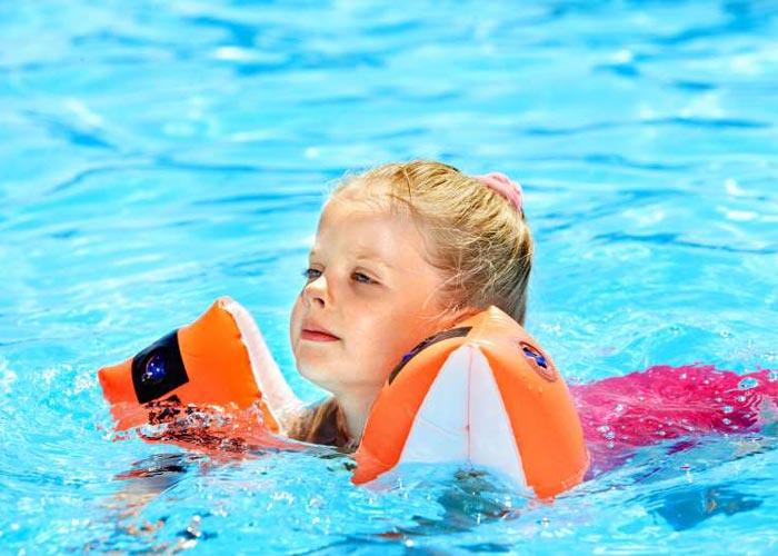 آموزش شنا به کودکان مبتلا به اوتیسم