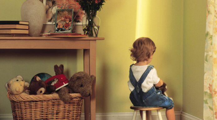 سه دلیل برای دوری از تنبیه کردن کودکان و راه های جایگزین آن