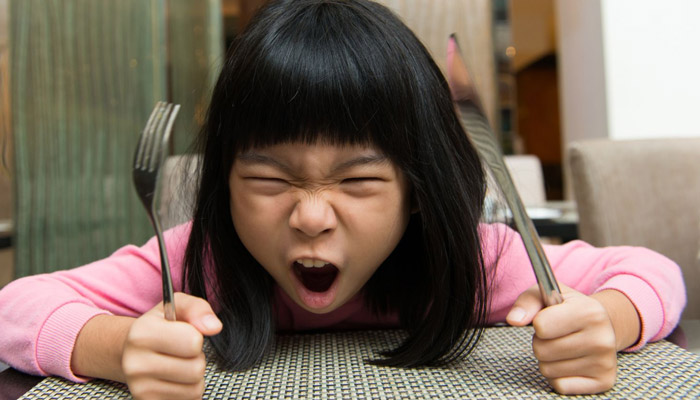 رفتار کودکان در رستوران