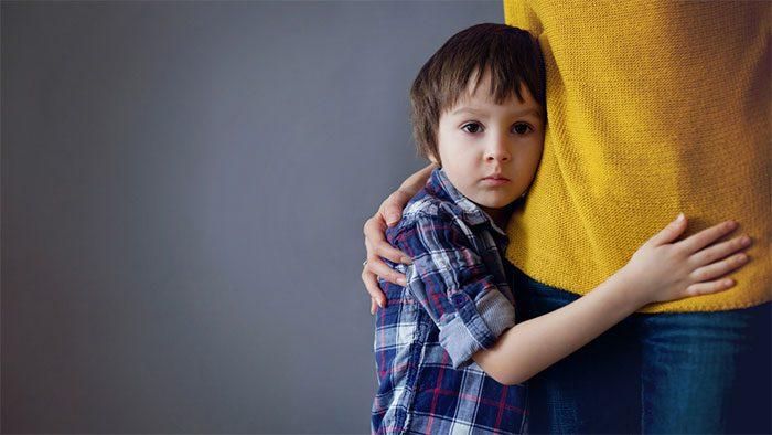 دلایل خجالت در کودکان