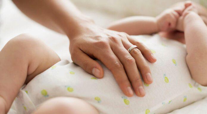 نشانههای وجود باد شکم در نوزاد و راهکارهایی برای آن