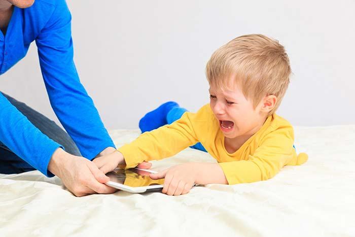 تبلت در اتاق خواب کودک