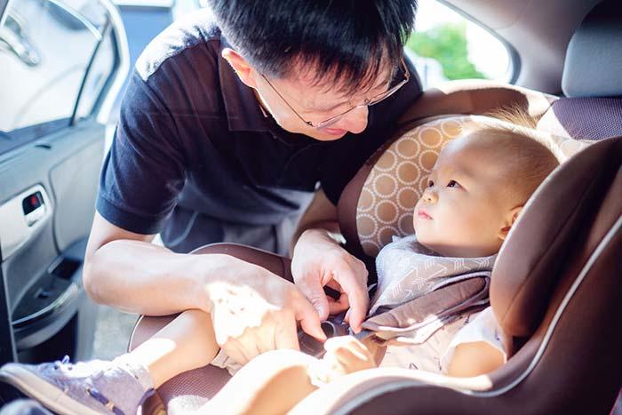 بازی در صندلی ماشین