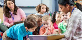 راهنمای کامل اصول و استراتژی فرزند پروری تا ۱۸ سالگی