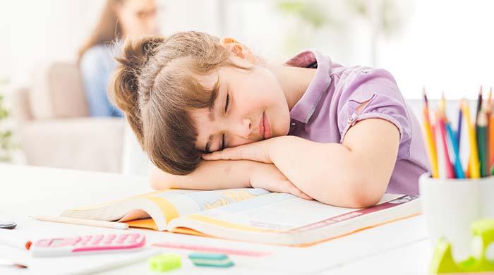 انجام تکالیف درسی قبل از خواب