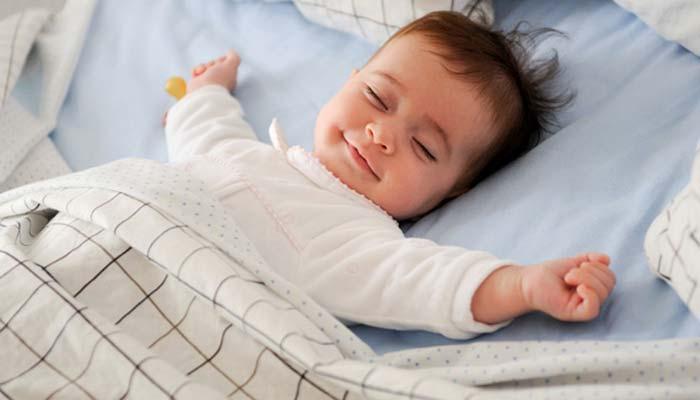 میزان خواب در سنین مختلف کودکی