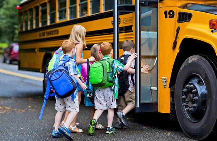 استفاده از اتوبوس مدرسه
