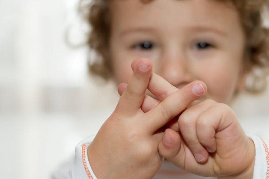 آموختن زبان اشاره به کودک