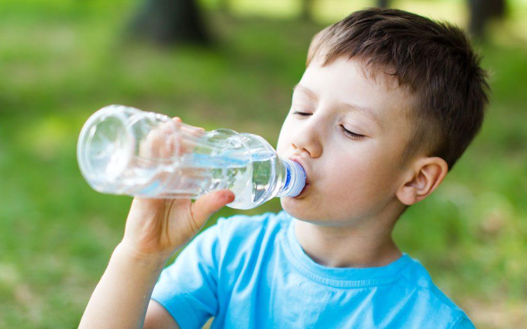 آب مورد نیاز بدن کودک چقدر است