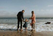 ۱۰ ارزش اخلاقی که باید به کودکان آموخت