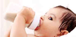 کمبود شیر مادر