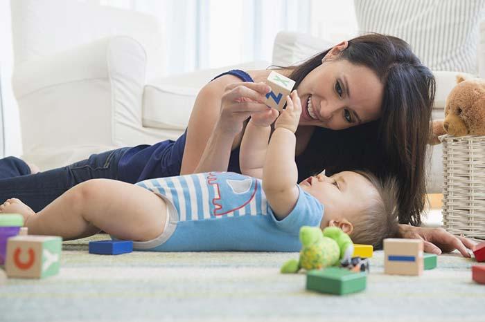 فعالیت بدنی نوزادان