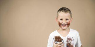 شکلات کاکائویی برای کودک