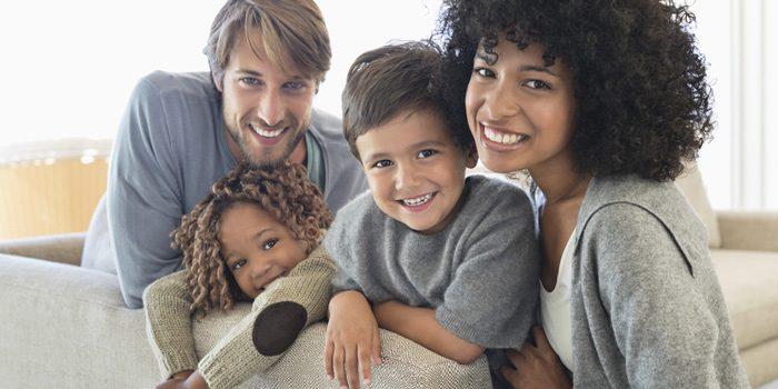 برخورد مناسب با کودک دو نژادی