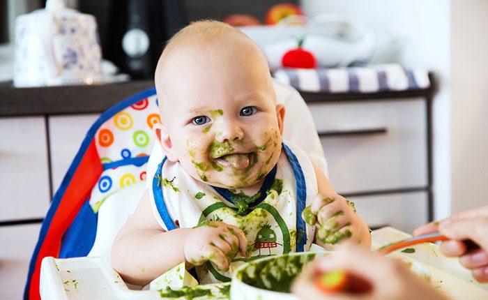 تنهایی غذا خوردن در کودکان