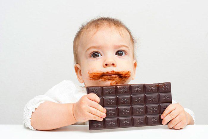 ضرر شکلات کاکائویی برای کودک