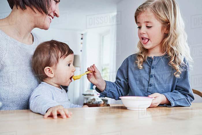 تغذیه ترکیبی نوزاد