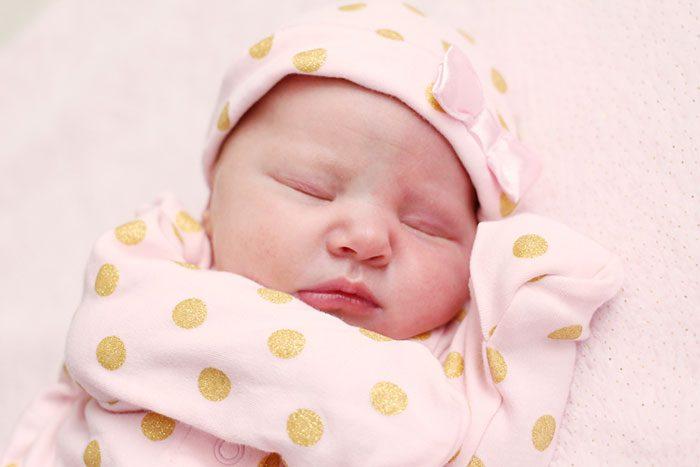 خشک بودن پوست نوزاد