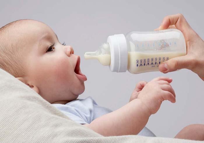 شیر مادر برای نوزاد