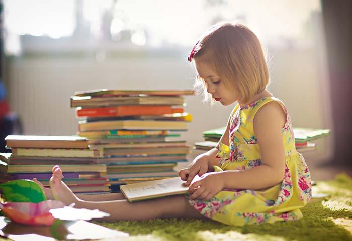 مطالعه روزانه کودک
