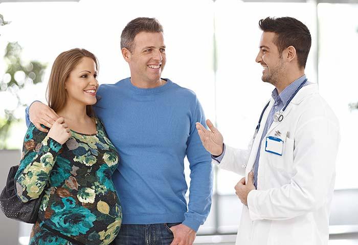 پزشک در دوران بارداری