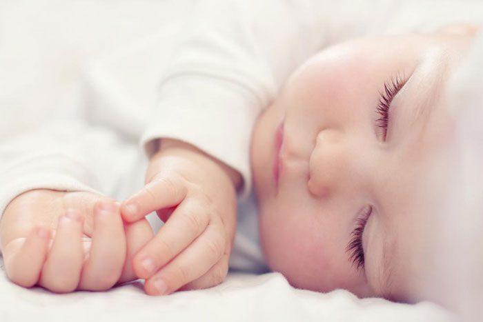 میزان خواب نوزاد تازه متولد شده