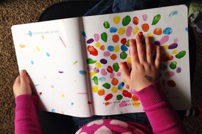 آموزش رنگ از طریق بازی